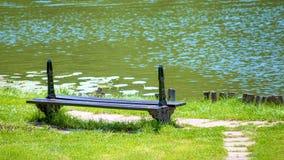 ławki jezioro Obrazy Royalty Free