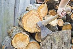 Axt- und Feuerholz Stockbilder