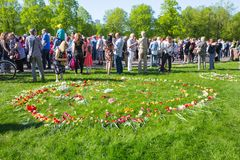 Ay 9, celebración 73 años después de la guerra mundial 2, gente, flores Fotografía de archivo libre de regalías