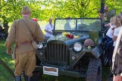 Ay 9, celebración 73 años después de la guerra mundial 2, gente, flores Foto de archivo