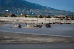 Ayeyarwady伊洛瓦底省河河岸的亦称土产渔夫村庄, 免版税库存图片