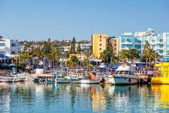 AYIA NAPA,塞浦路斯- 2016年4月04日:Ayia Napa港口  港口 图库摄影