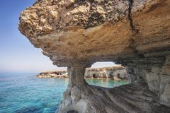 Ayia Napa, Chypre Cavernes de mer de cap de greco de Cavo photos libres de droits