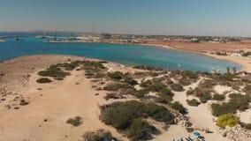 Ayia Napa Cypr, Listopad, - 1 2018 Budowa port morski wzdłuż linii brzegowej zbiory wideo