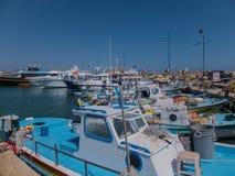 Ayia Napa, Cyprus, vissersboten en jachten Stock Foto's