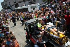 Ayuda de la emergencia durante el desfile de Chicago Fotografía de archivo