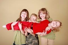 Ayuda de la familia imágenes de archivo libres de regalías