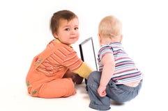 Ayuda de tecnología del bebé Imágenes de archivo libres de regalías