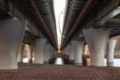 Ayuda del paso superior del di?metro de alta velocidad occidental - carretera del autom?vil fotos de archivo libres de regalías