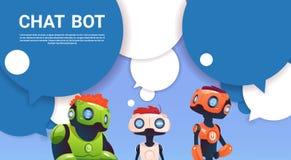 Ayuda virtual del robot del Bot de la charla del sitio web o de las aplicaciones móviles, concepto de la inteligencia artificial Fotos de archivo libres de regalías