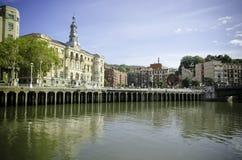 Ayuntamiento Bilbao y escultura del hierro Imagenes de archivo