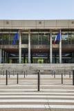 Ayuntamiento de la ciudad de Grenoble con la calzada Foto de archivo libre de regalías