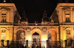 Ayuntamiento de Lyon por noche, Lyon, Francia Fotos de archivo libres de regalías