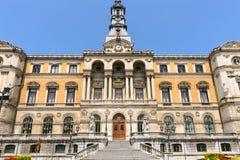 Ayuntamiento en la ciudad de Bilbao Imagen de archivo libre de regalías