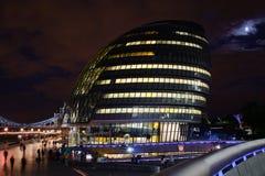 Ayuntamiento en la noche Fotografía de archivo