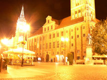Ayuntamiento en la noche en Torun - Polonia Imagen de archivo libre de regalías