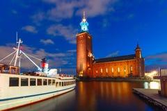 Ayuntamiento en la noche, Estocolmo, Suecia Estocolmo foto de archivo