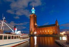 Ayuntamiento en la noche, Estocolmo, Suecia Estocolmo fotos de archivo