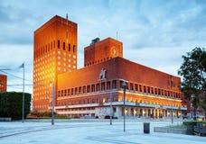 Ayuntamiento en Oslo, Noruega fotografía de archivo