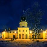 Ayuntamiento en Siedlce, Polonia en la noche imagen de archivo