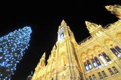 Ayuntamiento en Viena en el tiempo de la Navidad Fotos de archivo libres de regalías