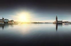 Ayuntamiento Estocolmo con Riddarholmen Imágenes de archivo libres de regalías