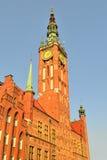 Ayuntamiento Gdansk por la tarde Fotos de archivo