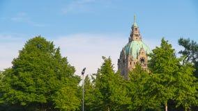 Ayuntamiento Hannover en verano en tiempo soleado imagen de archivo libre de regalías