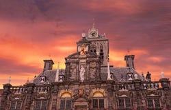 Ayuntamiento medieval en Delft Foto de archivo