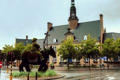Ayuntamiento, Oostduinkerke, Flandes, Bélgica imagen de archivo