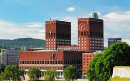 Ayuntamiento - Radhuset, Oslo, Noruega fotos de archivo