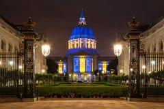Ayuntamiento San Franicisco en azul y oro Fotos de archivo libres de regalías
