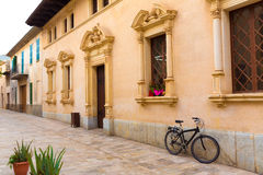 Ayuntamiento viejo de la ciudad de la ciudad de Alcudia Majorca Mallorca Foto de archivo