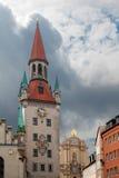 Ayuntamiento viejo en Marienplatz en Munich Alemania. Fotos de archivo