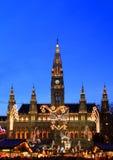 Ayuntamiento Viena en el advenimiento de la Navidad Imagenes de archivo