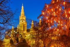 Ayuntamiento y parque de Viena fotografía de archivo