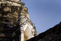 ayuttaya房间门内在寺庙泰国 免版税库存照片