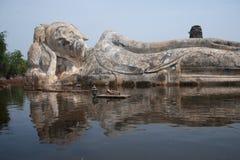 ayuttayaen översvämmar det mega tempelet thailand Arkivbilder