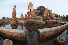 ayuttayaen översvämmar det mega tempelet thailand Arkivfoto