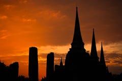 ayutthaya泰国塔的剪影 免版税库存图片