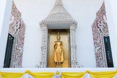Ayutthaya, Ταϊλάνδης - 11 Μαρτίου, 2017: Ο μόνιμος χρυσός Βούδας s Στοκ φωτογραφία με δικαίωμα ελεύθερης χρήσης