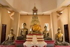 Ayutthaya, Ταϊλάνδης - 11 Μαρτίου, 2017: Χρυσό άγαλμα του Βούδα μέσα Στοκ φωτογραφίες με δικαίωμα ελεύθερης χρήσης