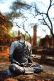 ayutthaya halshuggen buddha staty Arkivfoton