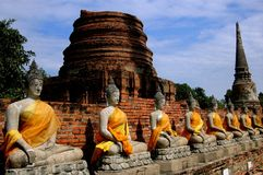 Ayutthaya, Tailândia: Budas em Wat Yai Chai Mongkon Imagem de Stock Royalty Free