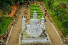 AYUTTHAYA, TAILÂNDIA, FEVEREIRO, 08, 2018: Acima da vista do parque histórico de Sukhothai a cidade velha da Buda antiga de Tailâ Fotos de Stock Royalty Free