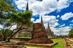 Ayutthaya, Tailandia; 3 de julio de 2018: Wat Phra Si Sanphet en el parque histórico de Ayutthaya imágenes de archivo libres de regalías
