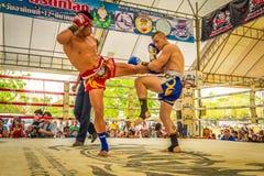 Competencia tailandesa de los combatientes de Muay Foto de archivo