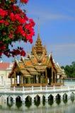 Ayutthaya, Tailândia: Pavilhão dourado Fotos de Stock Royalty Free