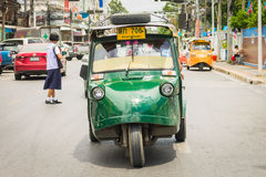 Ayutthaya Tajlandia, Auto riksza three-weeler tuk-tuk taxi driv Obrazy Royalty Free