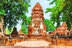 AYUTTHAYA-THAILAND-: Fördärvar av kloster, fördärvar av det gamla pet Royaltyfria Foton
